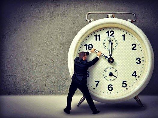 clock back 10527550_553865111402692_1147564531935408122_n