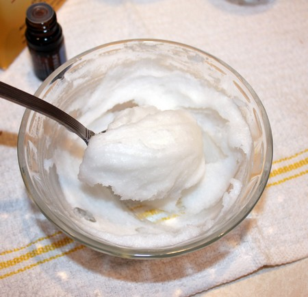 homemade-toothpaste-1_small
