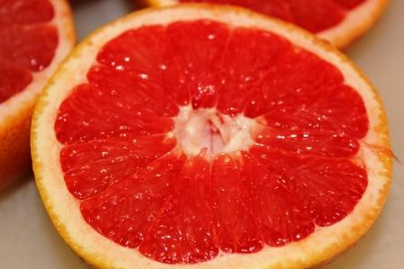Grapefruit_Juice_Sliced_Grapefruit