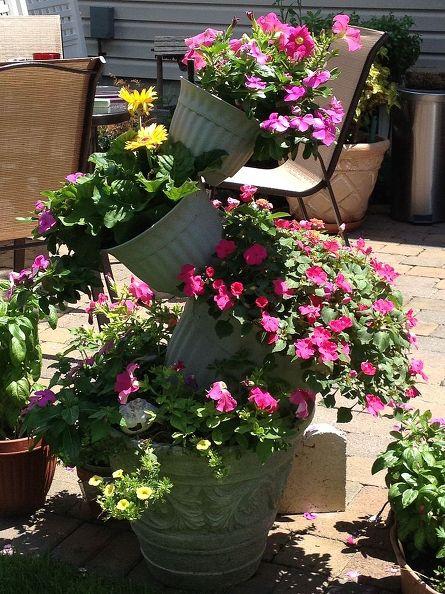 topsy-turvy-flower-pot-creation-container-gardening-gardening-repurposing-upcycling