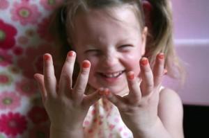 nail-polish-little-girl