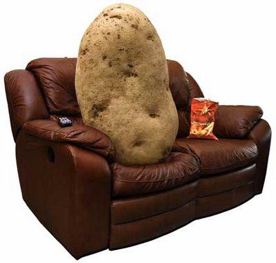 Седенето пред телевизора по цял ден скъсява живота