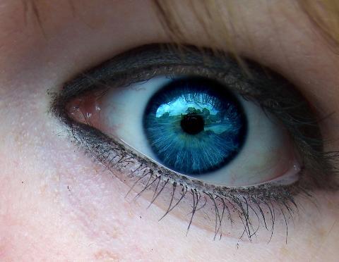 Хората с кафяви очи по-рядко се разболяват от рак на кожата от хората със сини очи