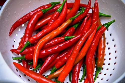 Кайен, като лют червен пипер, 17 ползи за здравето