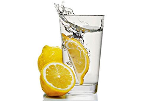 10 причини да пием лимон с вода