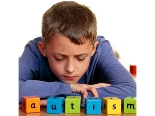 Аутизъм: 'Как храната излекува сина ми'