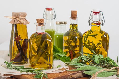 herbs-infused-oil