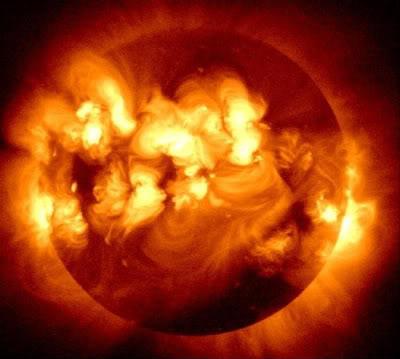 Слънчевата активност силно влияе върху живота ни