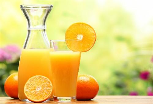 Не дърпайте дявола за опашката като смесвате слънцето с портокалов сок, коктейлът води до меланома