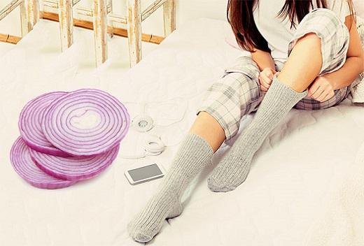onion-slice-in-your-socks