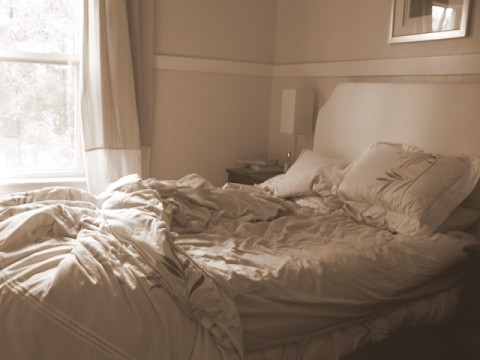 unmade-bed-480x360