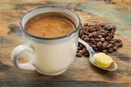 Ето защо всички изведнъж започнаха да добавят масло в кафето си