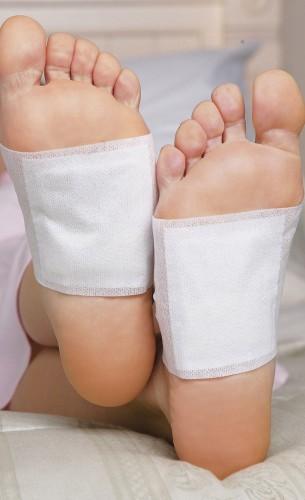 Направете детоксикиращи пластири за стъпала у дома и премахнете опасните токсини от тялото си