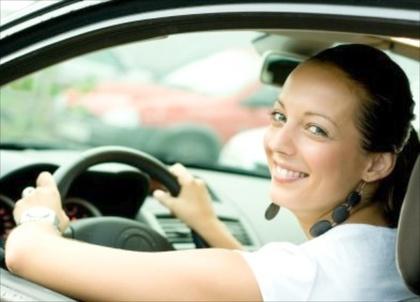 Упражнение, което ще ви осигури плосък корем докато шофирате!
