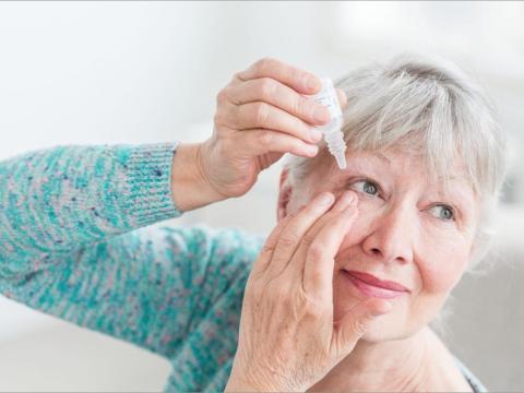 Учените разработват капки за очи, които топят катаракти