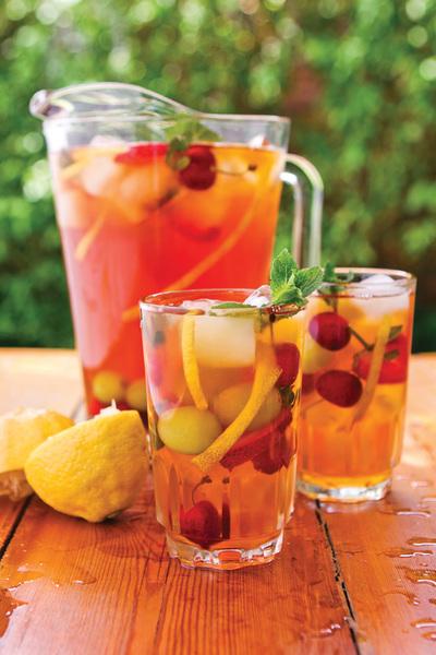 Здравословна и освежаваща напитка с ройбос за лятото