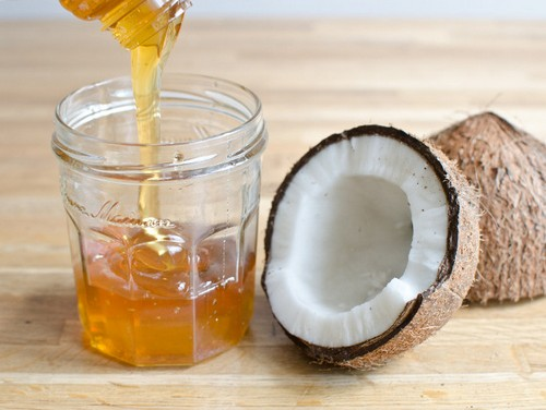 Натурален мед и кокосово масло, две фантастични лековити рецепти