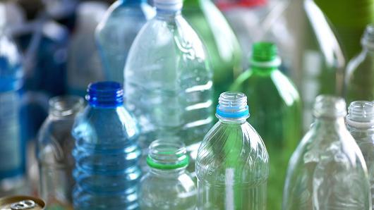 Опасните пластмасови бутилки за вода