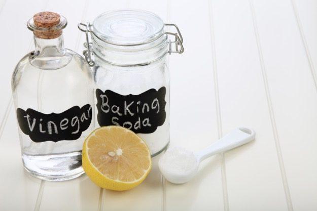 Правете си сами тези натурални и ефикасни почистващи препарати