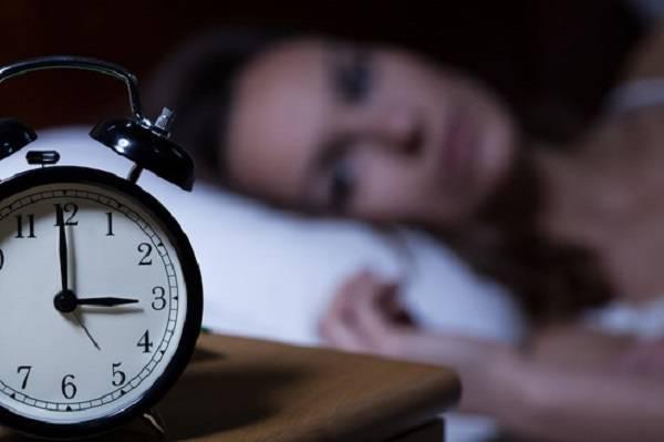 Защо се будим посред нощ, причини и как да се справяме
