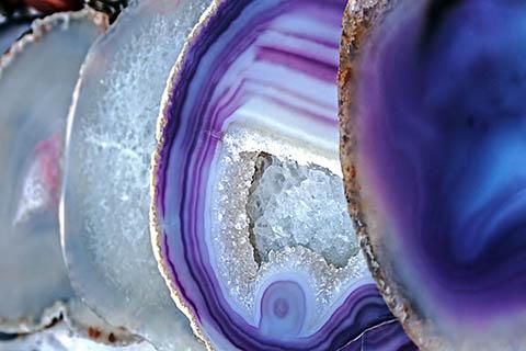 Зареждане на мозъка, тялото и духа с кристали