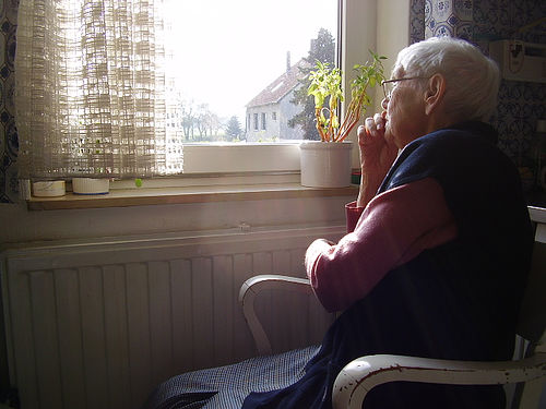 loneliness-dementia
